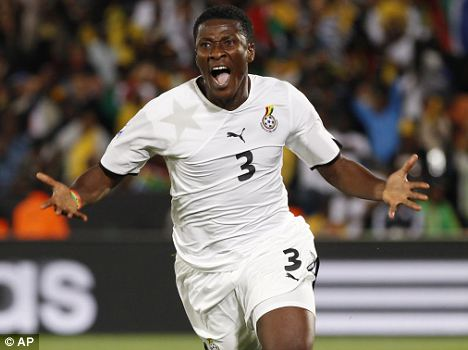 Video: Gyan joins Sunderland in record-smashing deal