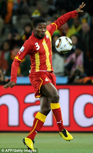 Sunderland open talks for record Gyan move
