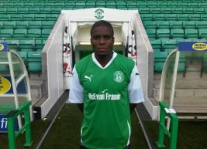 Ghana defender Dickoh seals Hibernian switch