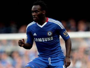 Ghana midfielder Michael Essien tells Chelsea he is staying
