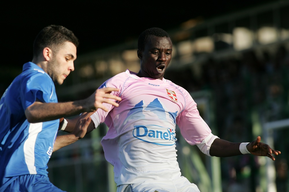 Rabiu Mohammed signs five-year contract with Evian TG FC