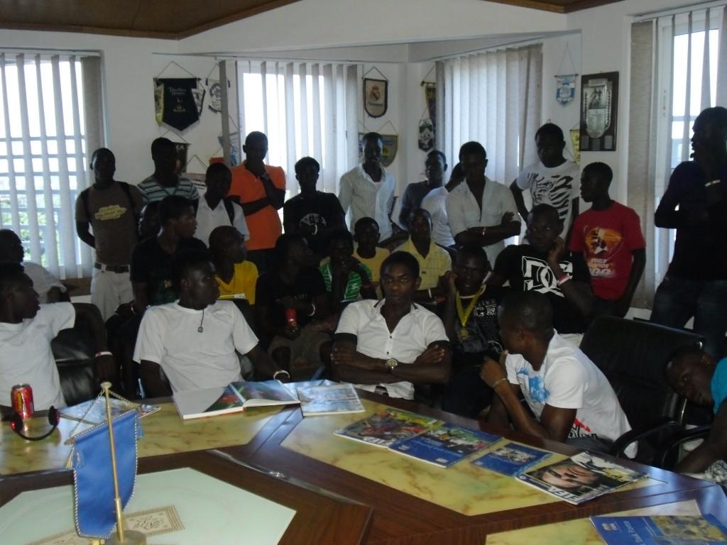 Abedi Pele congratulates Nania team