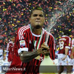 Video: Kevin Boateng scores classic goal for AC Milan to win Cup
