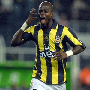 Stephen Appiah claims AEK Athens offer