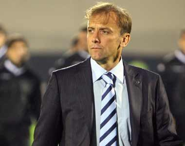 Ghana coach to publicly defend call-ups