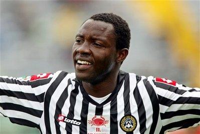 Manchester United eyes on Kwadwo Asamoah
