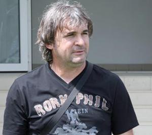Sacked Hearts coach demands 15,000 euros compensation