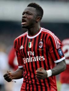 Muntari scores outstanding goal for AC Milan to return top