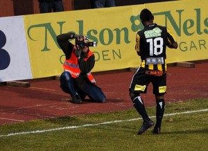 Watch the video of all the 12 goals scored by Ghanaian striker Abdul Majjed Waris in the Swedish top-flight so far this season.