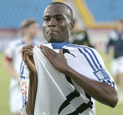 Former Black Stars defender Shilla Illiasu claims talks with unnamed Asian club
