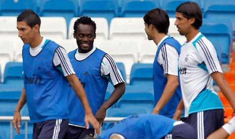 Khedira ready to challenge Essien for starting place at Real Madrid