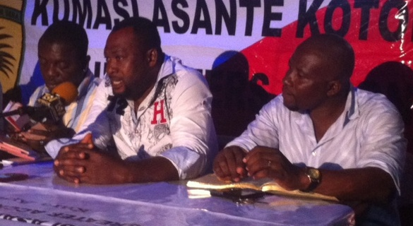 GARCC Chairman Emmanuel Boamah (middle) addressing the press