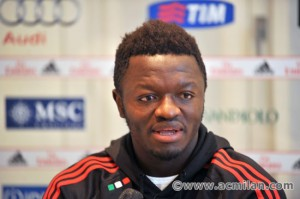 Ghana midfielder Sulley Muntari has returned to training with AC Milan after recovering from a six-month injury-induced absence.