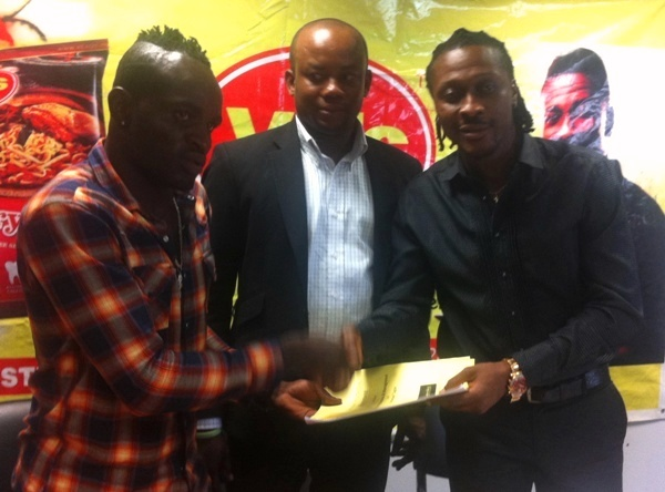 Tagoe officially signs onto Asamoah Gyan's Boxing Promotions