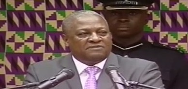 Ghana President Mahama tasks Black Stars to qualify for 2014 World Cup