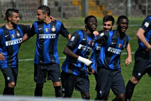 Isaac Donkor celebrates with Bocar Djumo and his other Inter Milan team-mates