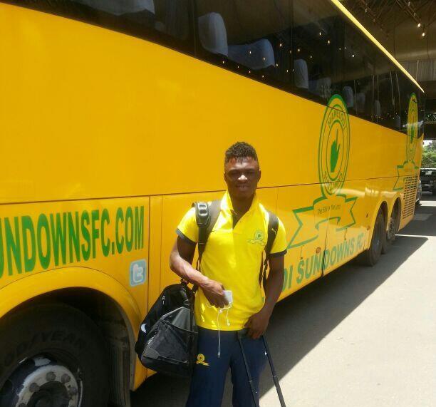 Ghana defender Rashid Sumaila looks up to Sundowns Adventure