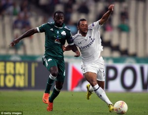 Newly-promoted English side Crystal Palace say they will take a quick decision on Ghanaian trialist Quincy Owusu-Abeyie after his agent warned that he could sign for another club.