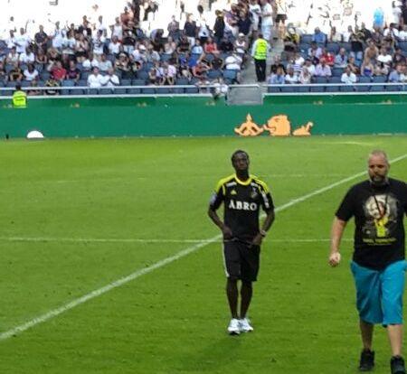 Ebenezer Ofori being presented to the AIK Stockholm fans.