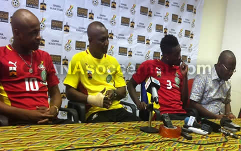 Ghana coach Akwasi Appiah coy on mysterious right-hand strapping