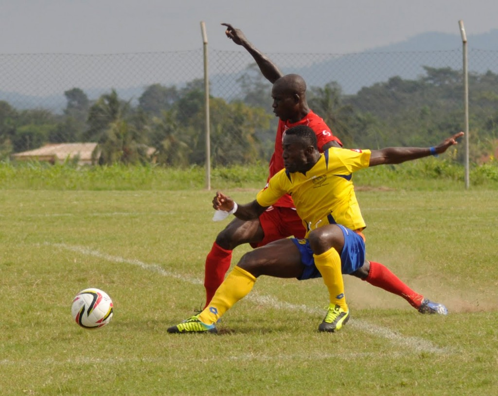 Bernard Ofori clashes with Joseph Aidoo.
