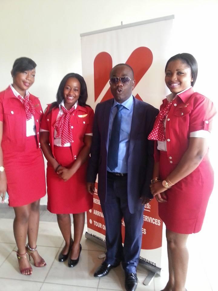 Wafu zone B president Kwesi Nyantakyi and workers of Kenpong Travel and Tours.