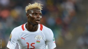 A controversial penalty decision helped Burkina Faso sneak a 3-2 victory over Algeria in the first leg of their World Cup play-off in Ouagadougou on Saturday.