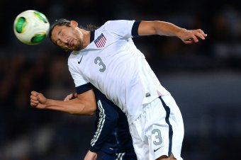Gonzalez-of-usa-competes-for-the-ball-in-the-air_crop_exact