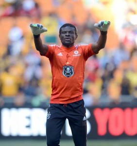Ghana goalkeeper Fatau Dauda kept a clean sheet in his first match for South African side Orlando Pirates on Tuesday as he fights to keep his position as the Black Stars first choice shot-stopper ahead of the 2014 World Cup.
