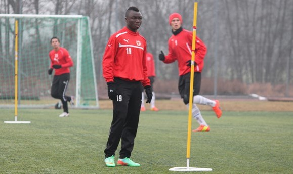 Dominic Adiyiah on trial at Kalmar FF.