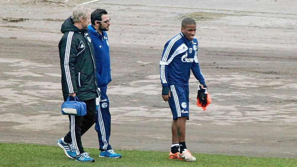 Farfan got injured from Papadopoulos challenge