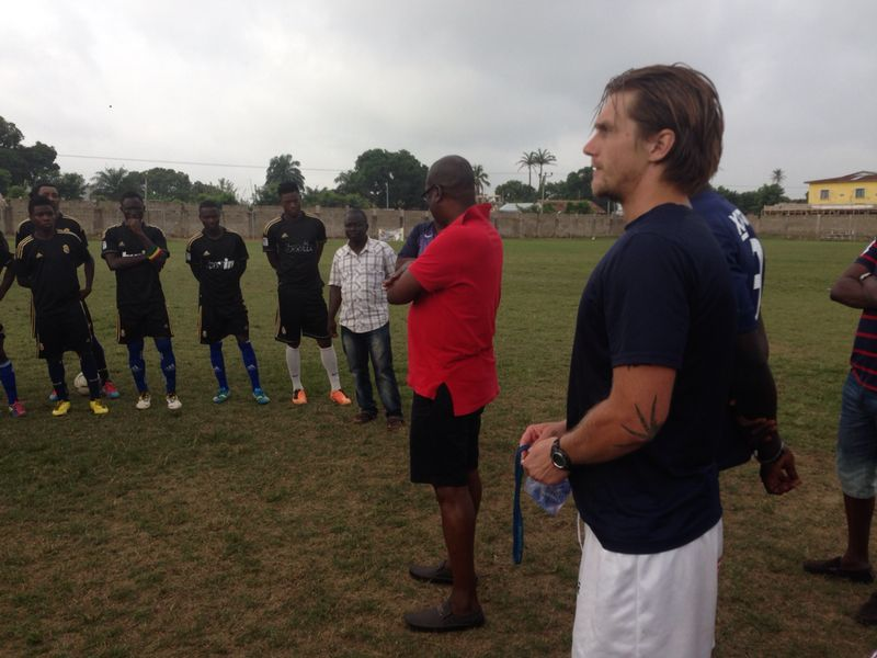 DR KK Sarpong addressing the Bechem United players