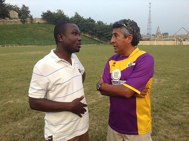 Medeama coach Carlos Alberto and chief executive James Esselfie in a discussion