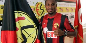 Ghana defender Jerry Akaminko was pivotal in defence for little-fancied Eskisehirspor as they stunned Turkish Super Lig leader Fenerbahce 2-1 in a league match on Saturday.