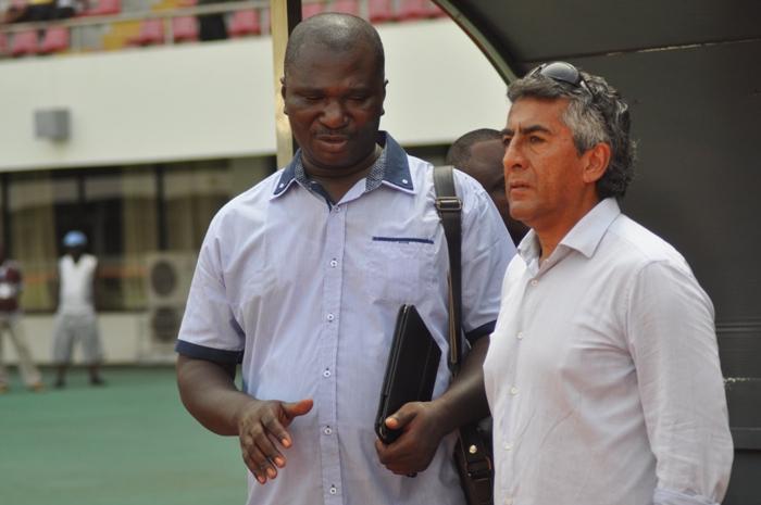 Edmund Ackah (left), coach Roberto Carlos (right)