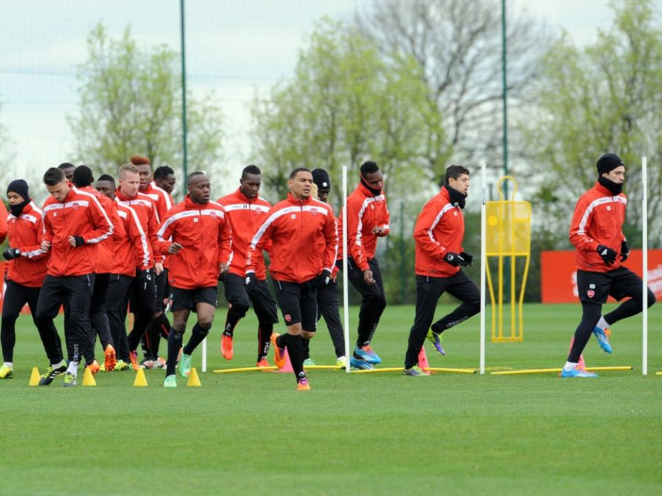 Emmanuel Ntim is training with Valenciennes