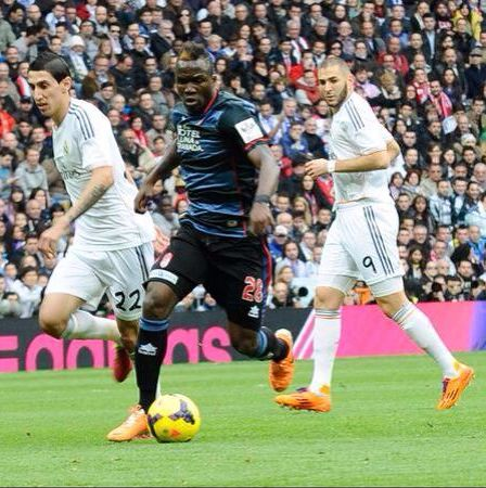 Fatau Mohammed, in action for Granada CF against Real Madrid, is being monitored by Udinese