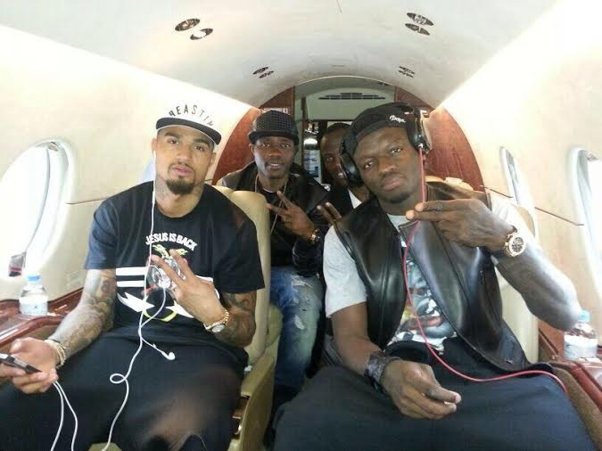Kevin-Prince Boateng with Sulley Muntari, Kwadwo Asamoah and Agyemang-Badu in private jet