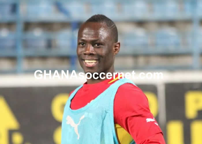 Emmanue Agyemang-Badu beaming with smiles in Black Stars training