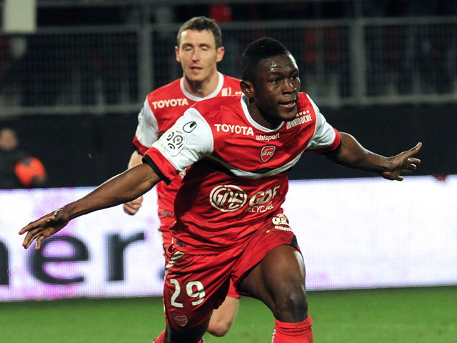 Waris celebrating his goal for Valenciennes