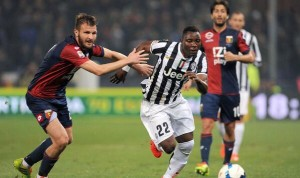 Ghana and Juventus midfielder Kwadwo Asamoah showed one of his best skills in Italy when his mesmeric dribbling feet bamboozled a Napoli defender leaving the latter on his backside.