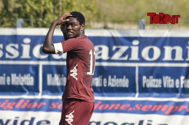 Emmanuel Gyasi warmed the Torino bench on Saturday