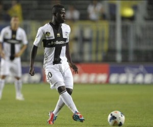 Arsenal coach Arsene Wenger is hot on the trail of Ghana midfielder Afriyie Acquah who plays in the Italian top-flight.