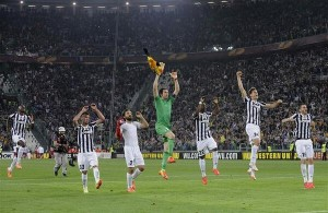 Kwadwo Asamoah was instrumental as his Italian club Juventus booked their place in the semi-finals of the Europa League with a 2-1 home win over Lyon in Turin on Thursday evening.