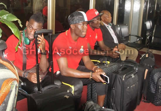 Christian Atsu, Emmanuel Agyemang-Badu and Daniel Opare at the airport