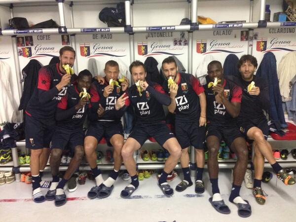 Isaac Cofie and his Genoa teammates