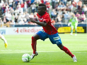 Manchester United scouts to monitor sensational Ghanaian winger Accam on Monday