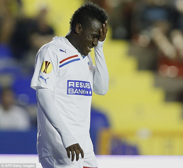 David Accam in agony after losinf in the Swedish Cup final