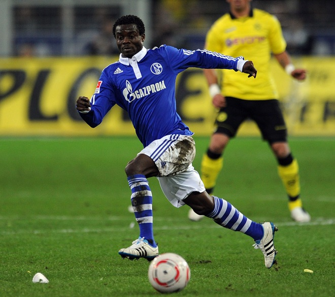 Ghana midfielder Anthony Annan could head back to Holland