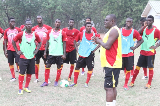 Ghana U20 coach Sellas Tetteh handing out instructions to his team